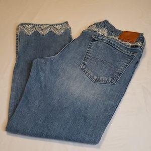 Lucky brand crop jeans sz 8 EUC no rips or stains